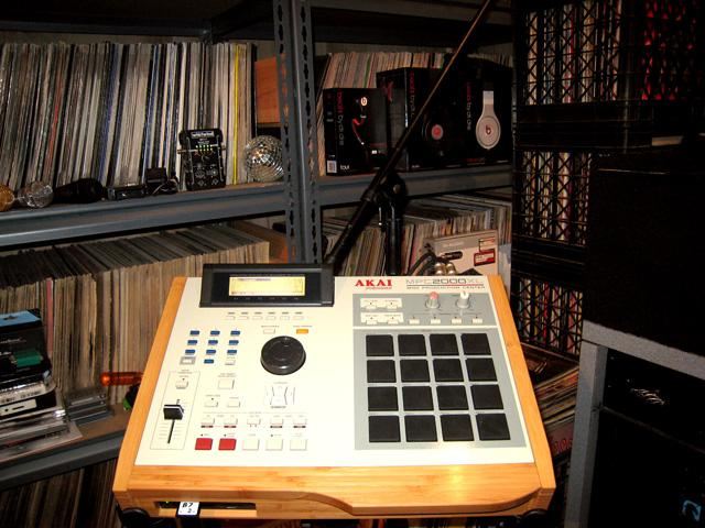 Custom Bamboo MPC 2000XL by Big Noise for San Jose DJ & Producer