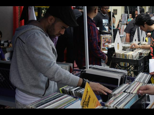 Dusty Gold, Digging In The Crates, Rare Vinyl, Dust & Grooves - LA BSM 2011