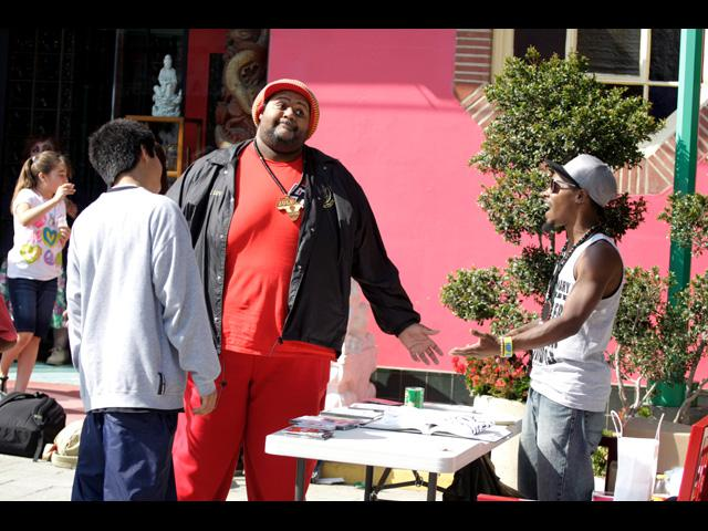 Hahk2 on the right, chops it up with Beat Swap Meet participants - June 2011