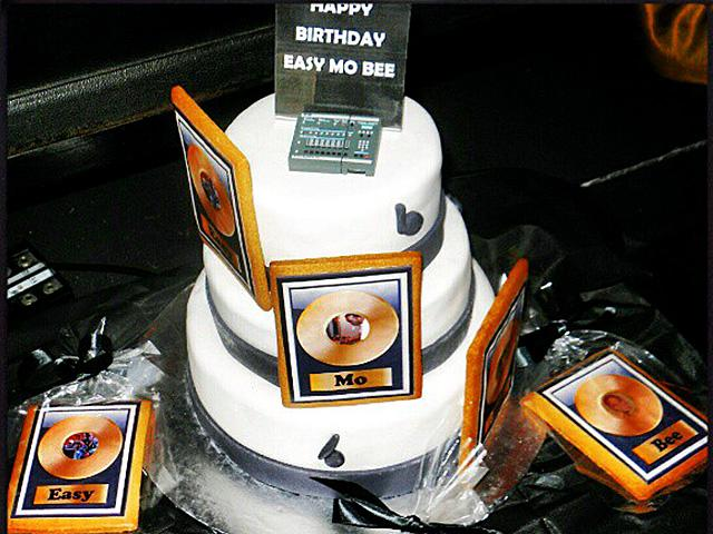 Easy Mo Bee birthday cake with SP-1200 USB Flash Drive from Big Noise MPC 2012